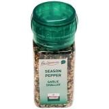 Season pepper garlic shallot